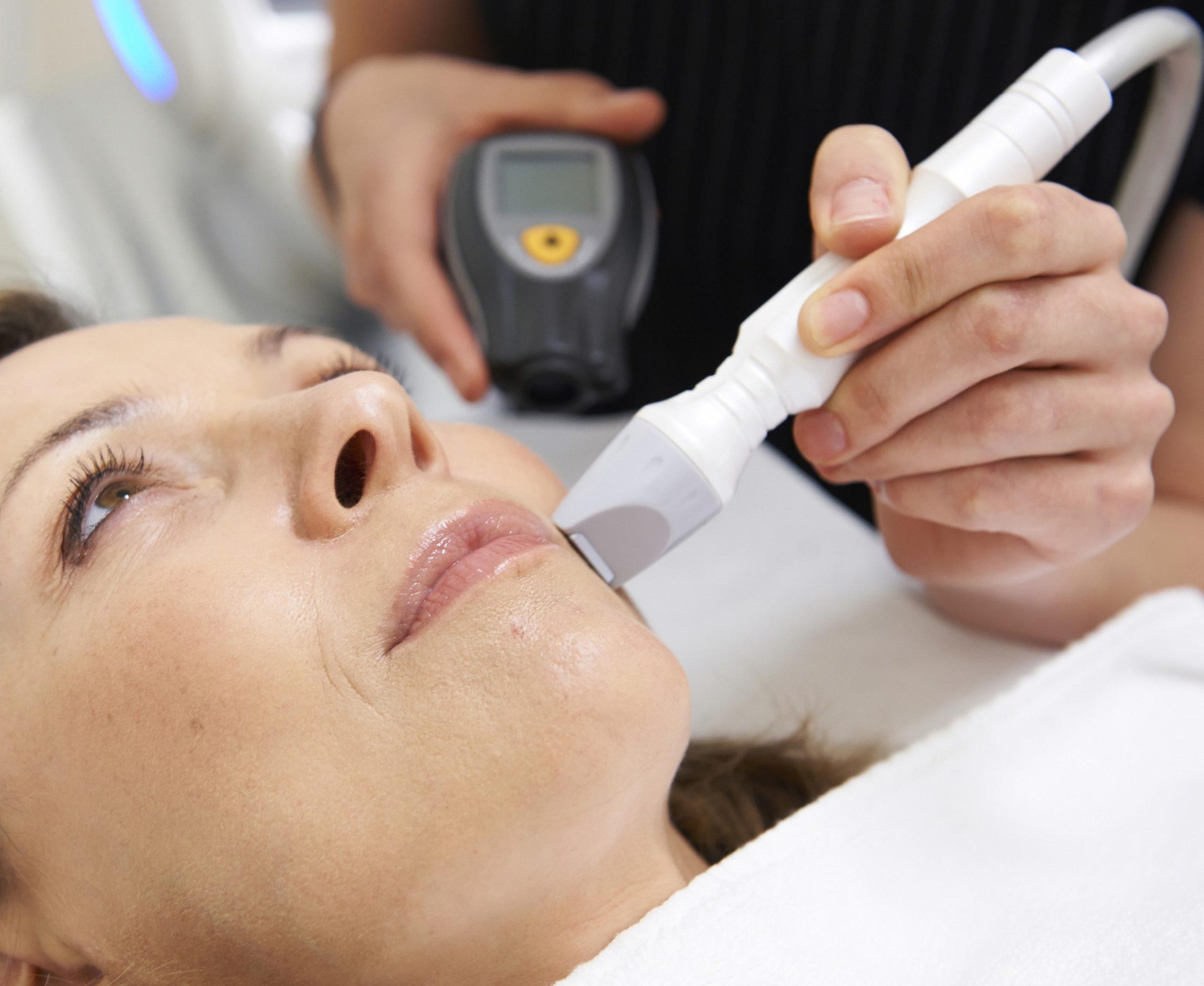 woman having ultrasound skin tightening.