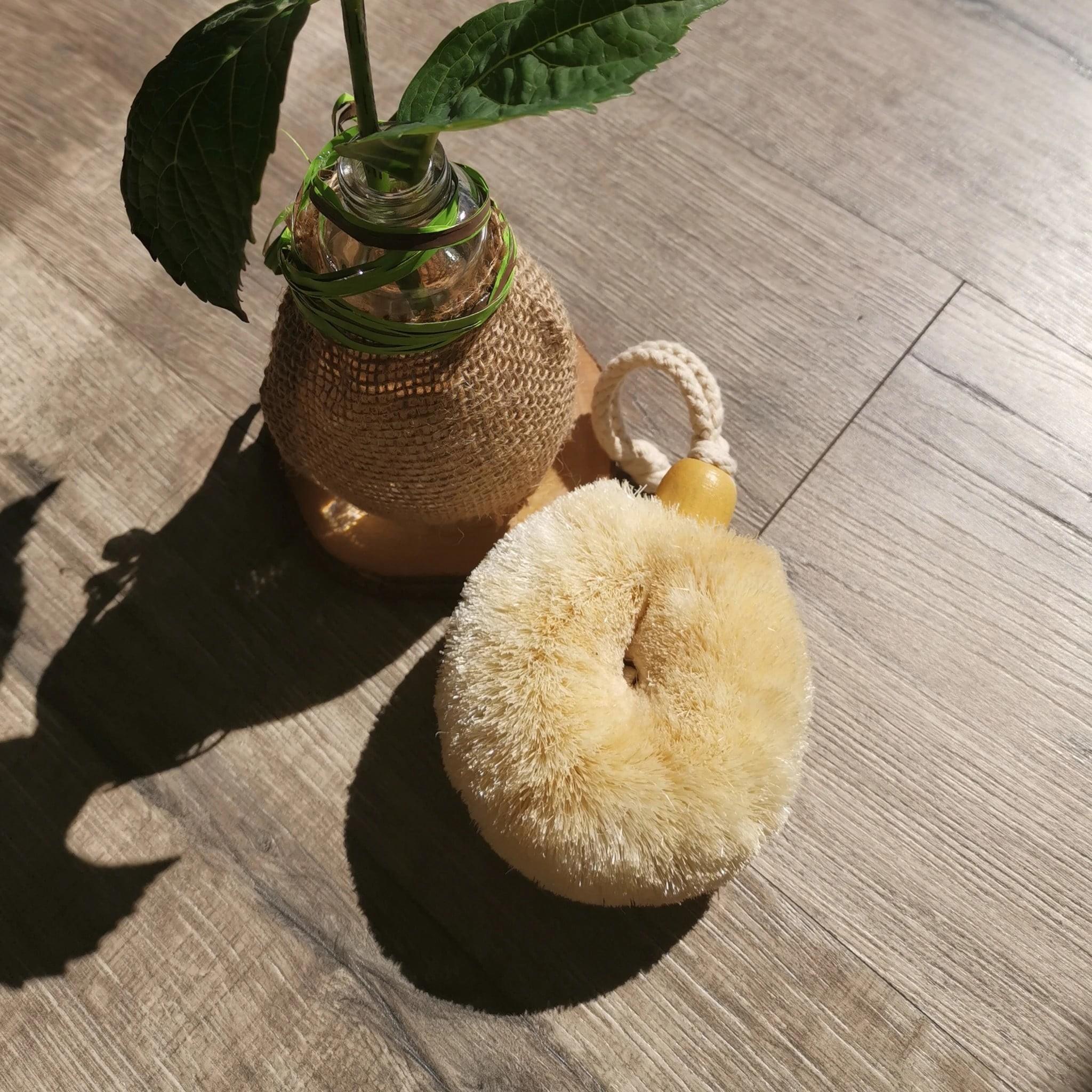 ELYTRUM Palm Size Body Brush.